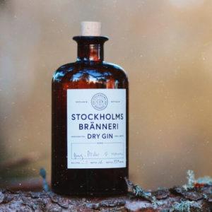 Eine Getränkeflasche mit Alkohol aus Schweden